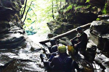 Acharn-canyoning-2